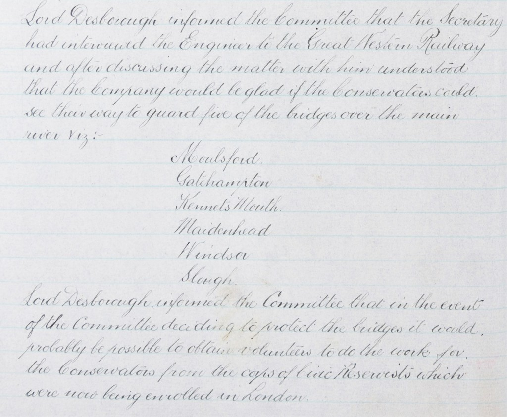Handwritten committee minutes which record Lord Desborough's discussion with the engineers of Great Western Railway regarding the guarding of bridges in Moulsford, Gatehampton, Kennets Mouth, Maidenhead, Windsor and Slough.